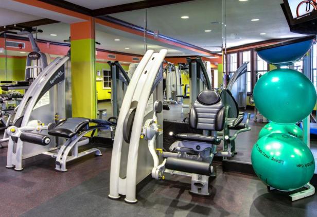 AMLI-2121-Gym