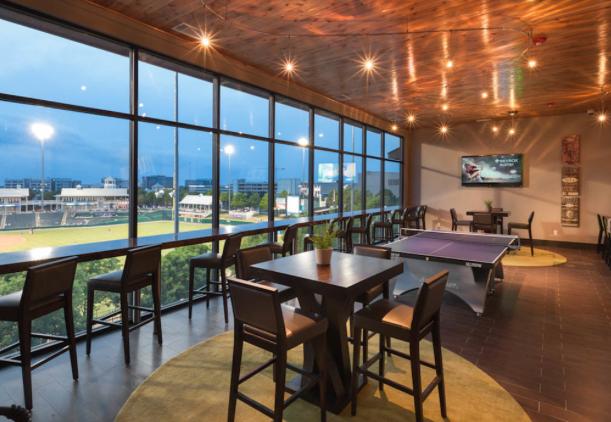 AMLI-Ballpark-Lounge