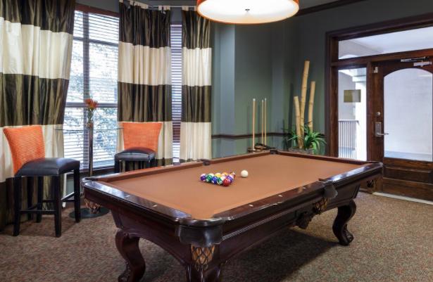 AMLI-Upper-West-Side-Billiards