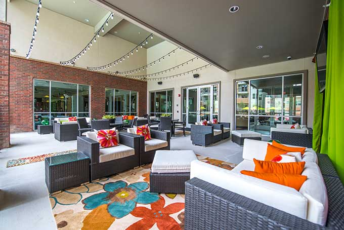 Cityscape-Market-Center-outdoor-lounge