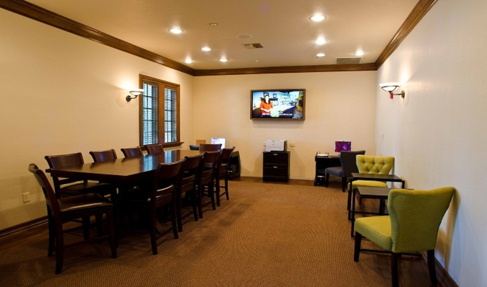 Marquis-Waterview-internet_lounge