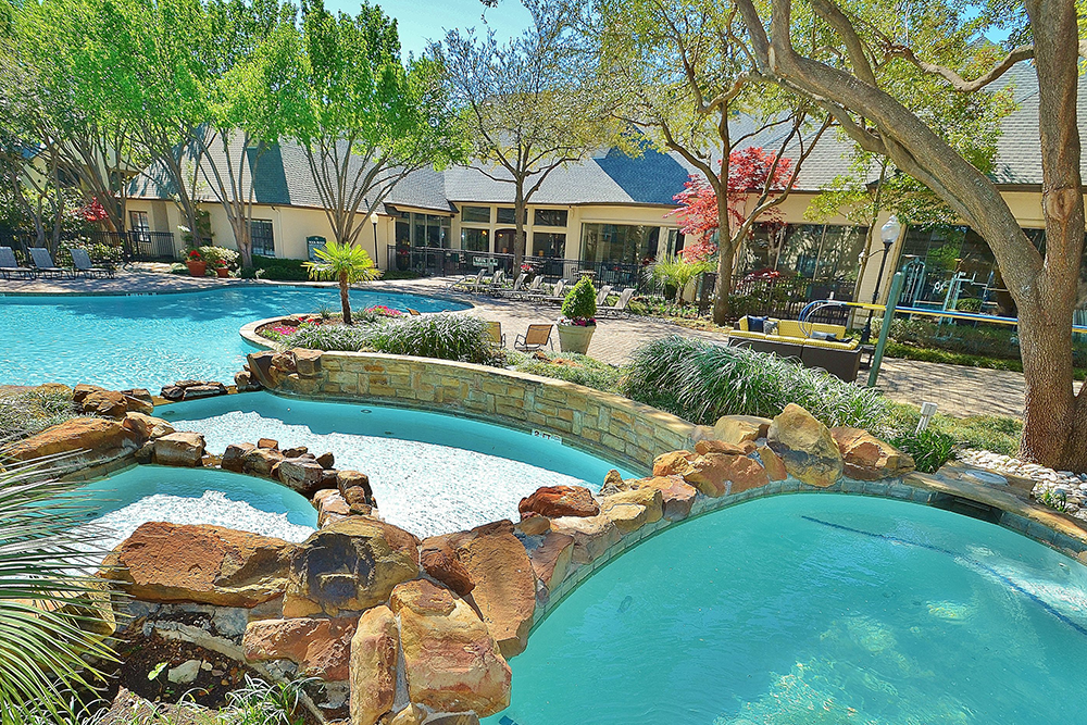 Marquis-Waterview-pool