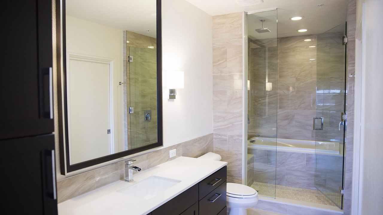 One-Dallas-Center-Bathroom