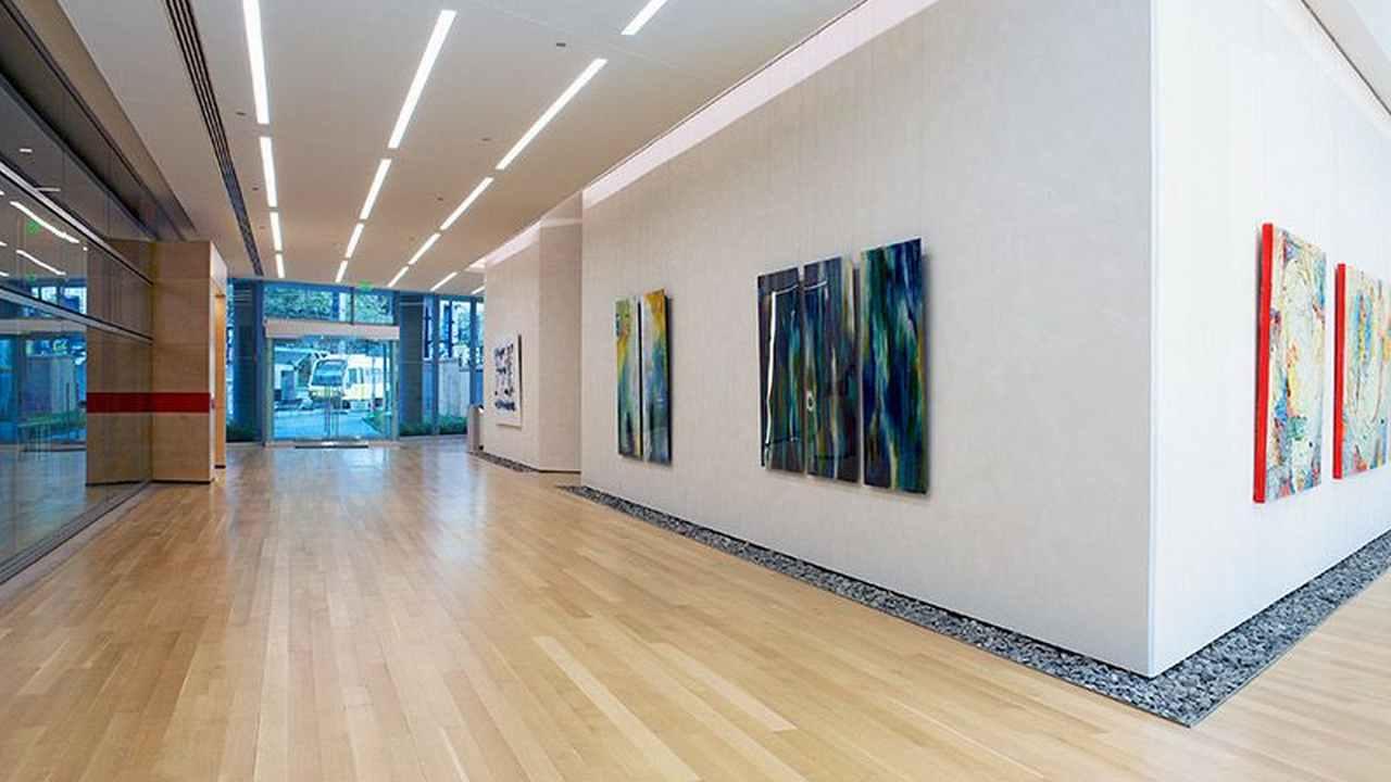 One-Dallas-Center-Lobby