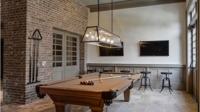 Retreat-Woodlands-Billiards