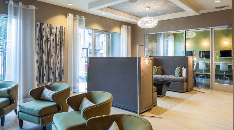 Suite2801-Business-Center