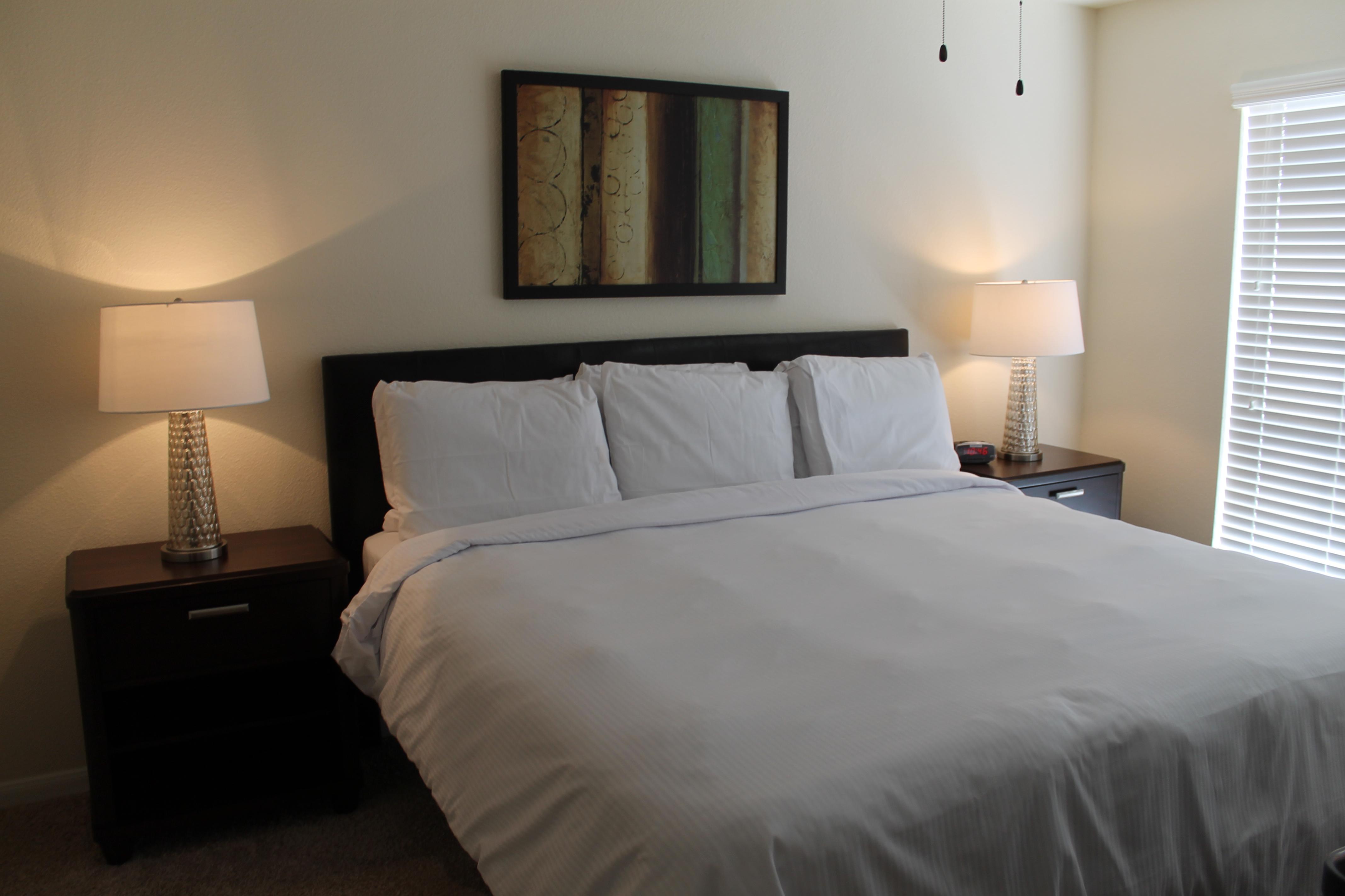 VRO-Bedroom