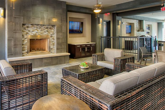 d.w-lounge-2