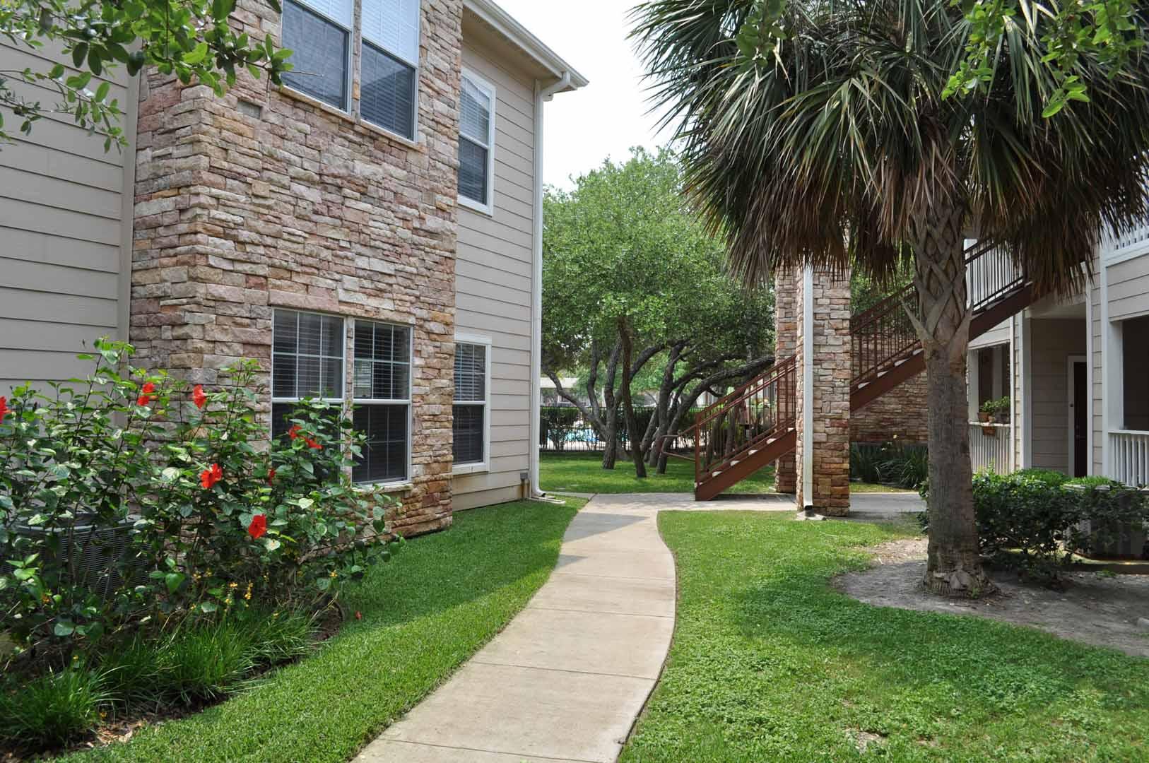 exterior-oaks-at-bentwater-corpus-murphys-corporate-lodging-1