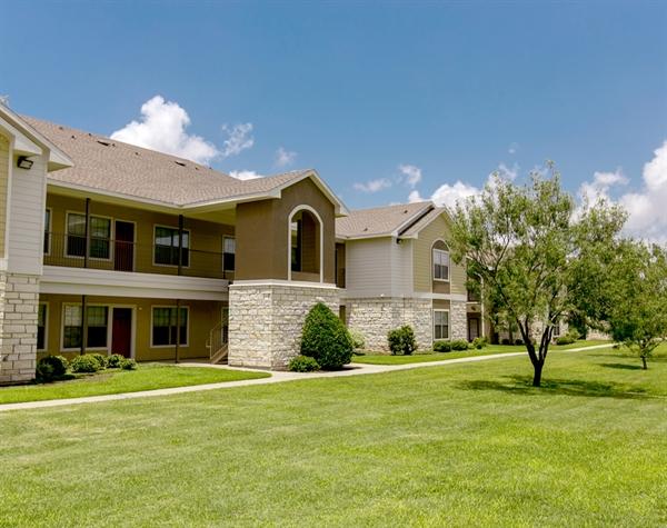 exterior-oaks-at-bentwater-corpus-murphys-corporate-lodging