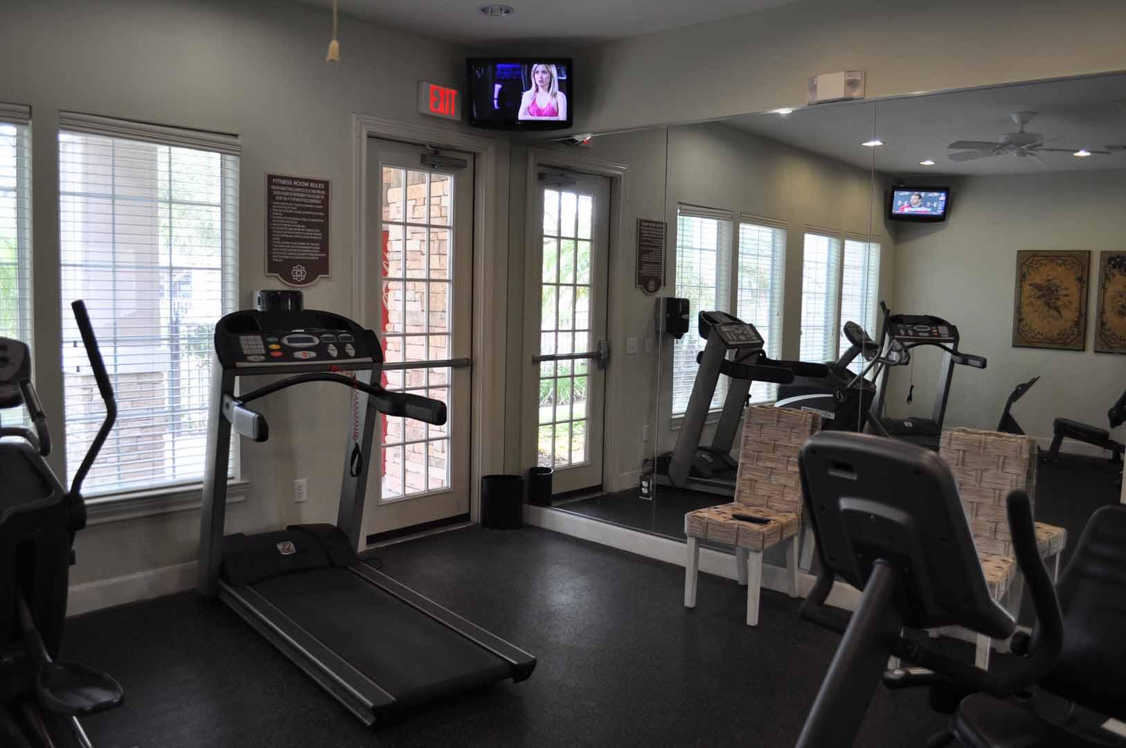 gym-oaks-at-bentwater-corpus-murphys-corporate-lodging-1