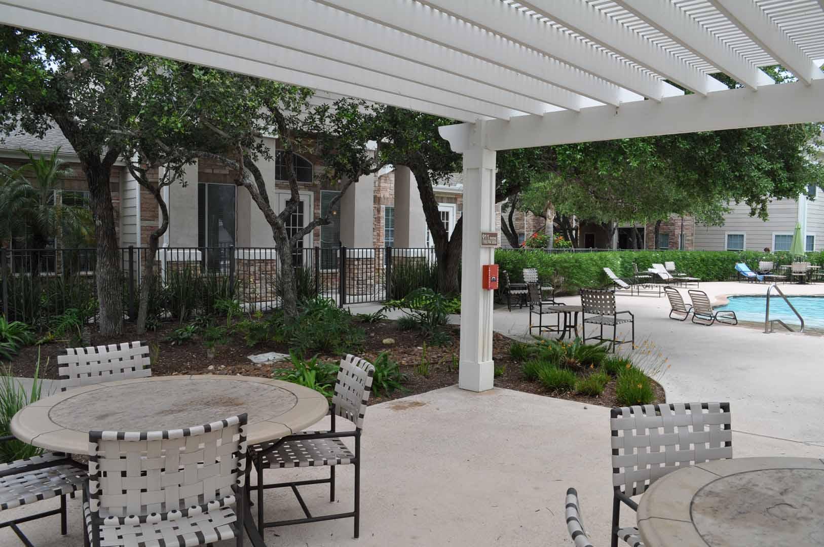 patio-oaks-at-bentwater-corpus-murphys-corporate-lodging
