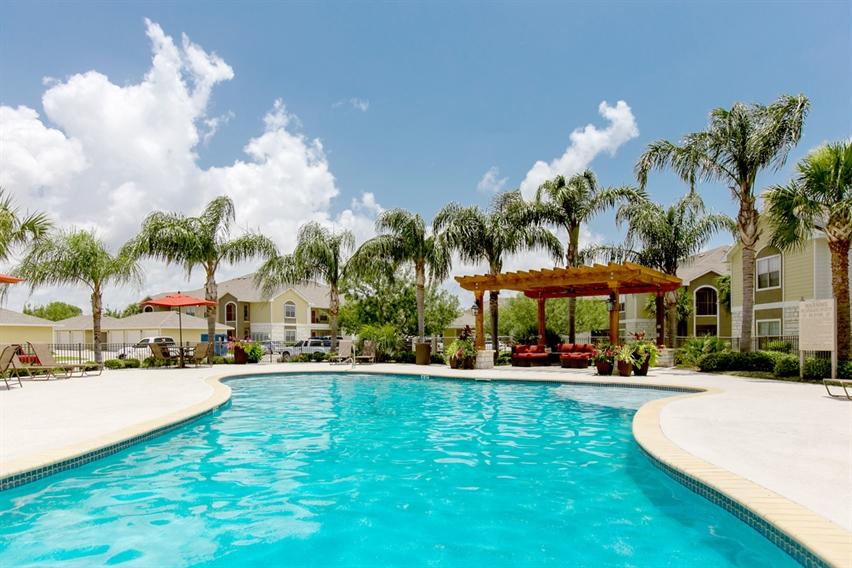 pool-oaks-at-bentwater-corpus-murphys-corporate-lodging