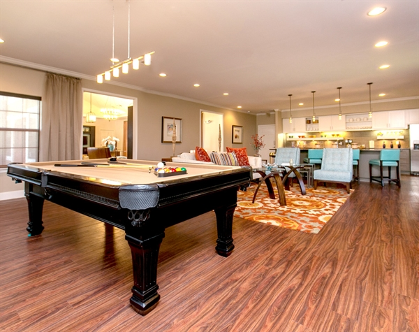 pool-table-oaks-at-bentwater-corpus-murphys-corporate-lodging