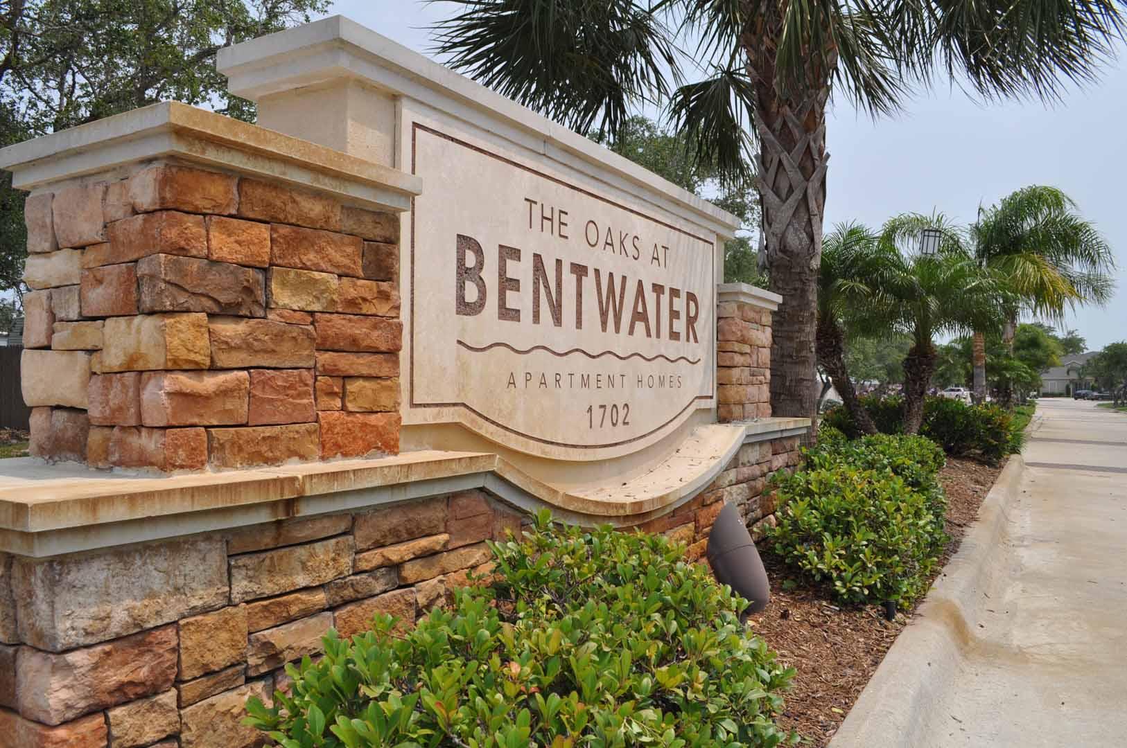 signage-oaks-at-bentwater-corpus-murphys-corporate-lodging